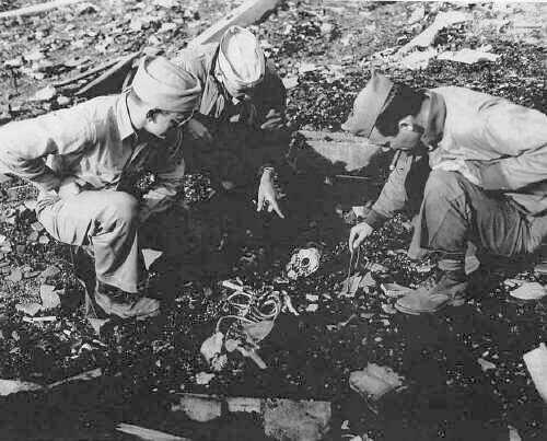 """صور لضحايا القنبلة الذرية هيروشيما لا حول ولا قوة الا بالله """"فقط لاصحاب القلوب القوية"""" Banks04"""