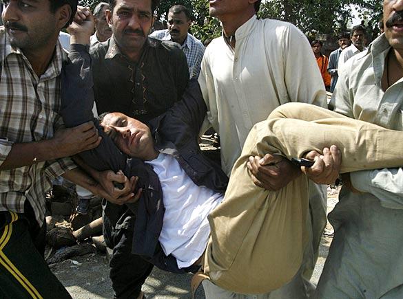 pakistan_police_04_512531a