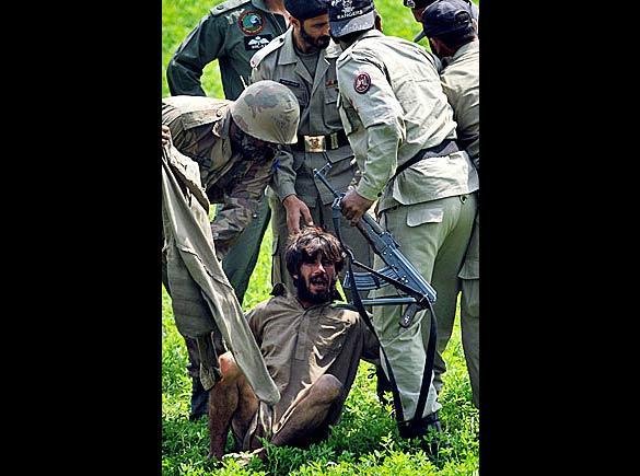 pakistan_police_06_512529a