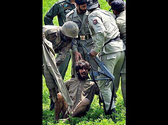 pakistan_police_06_512529a2
