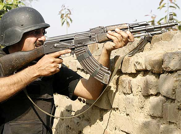 pakistan_police_07_512528a