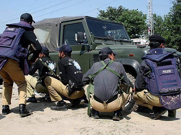pakistan_police_09_512526a