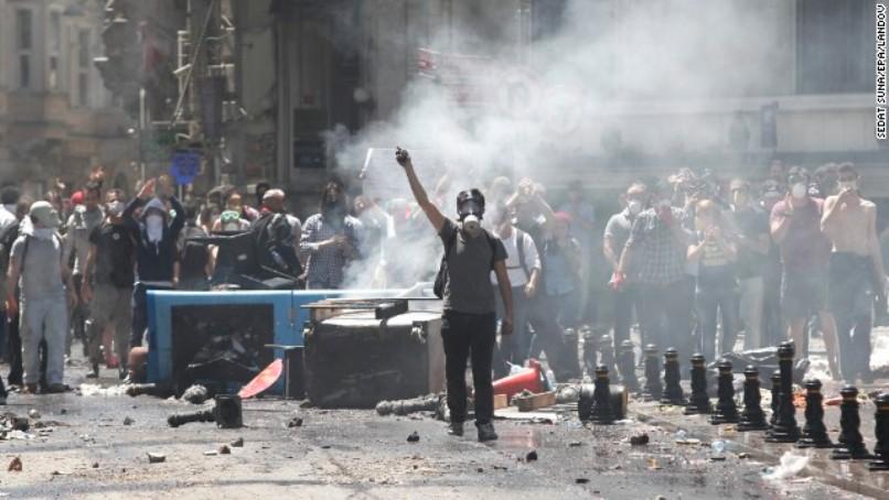 130601091556-01-turkey-protests-0601-horizontal-gallery