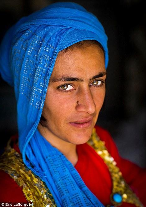 Kurdish eyes2