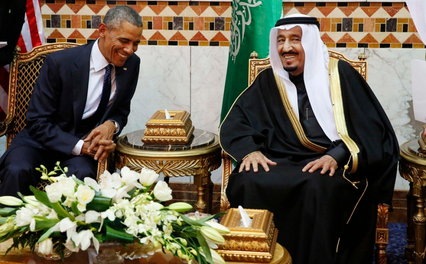 U.S. President Barack Obama meets with Saudi Arabia's King Salman (R) at Erga Palace in Riyadh, January 27, 2015. Obama is stopping in Saudi Arabia on his way back to Washington from India to pay his condolences over the death of King Abdullah and to hold bilateral meetings with King Salman.   REUTERS/Jim Bourg     (SAUDI ARABIA - Tags: POLITICS ROYALS)