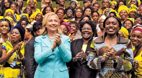 hillary surrounded by black women2